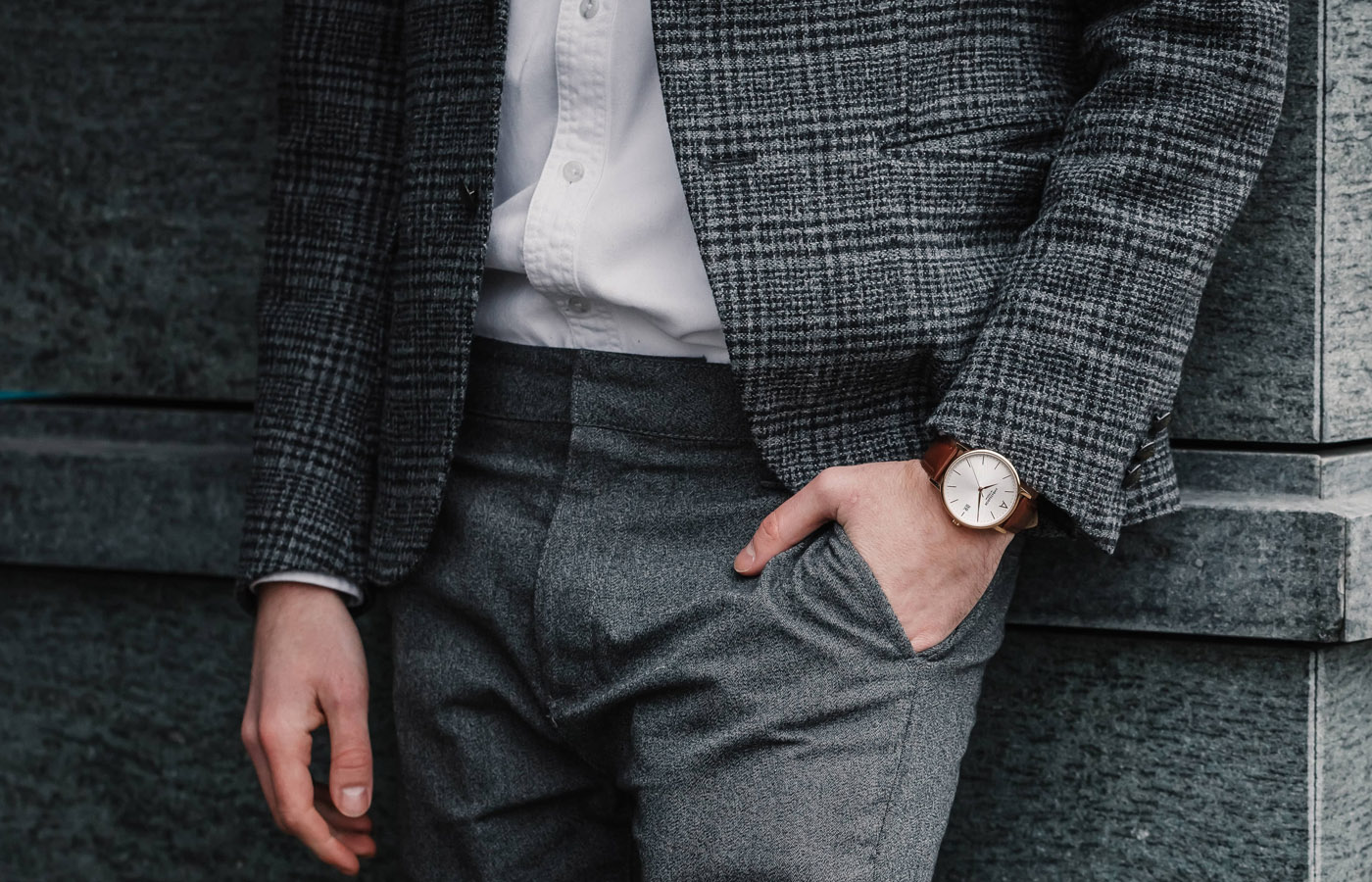 why-do-people-wear-watches-on-their-left-hand